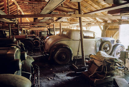 Big Barn 1930 Stutz Eight Supercharged Coupe (right)
