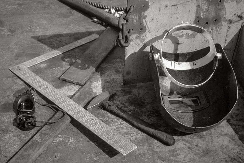 Welder's Gear, lunch break